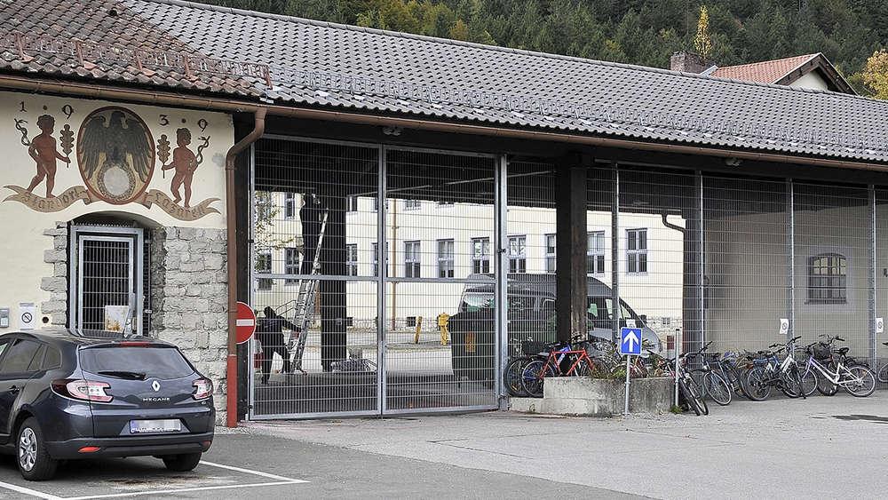 569030696-fluechtlinge-garmisch-partenkirchen-buergermeisterin-brandbrief-Mo7p0qBdENG