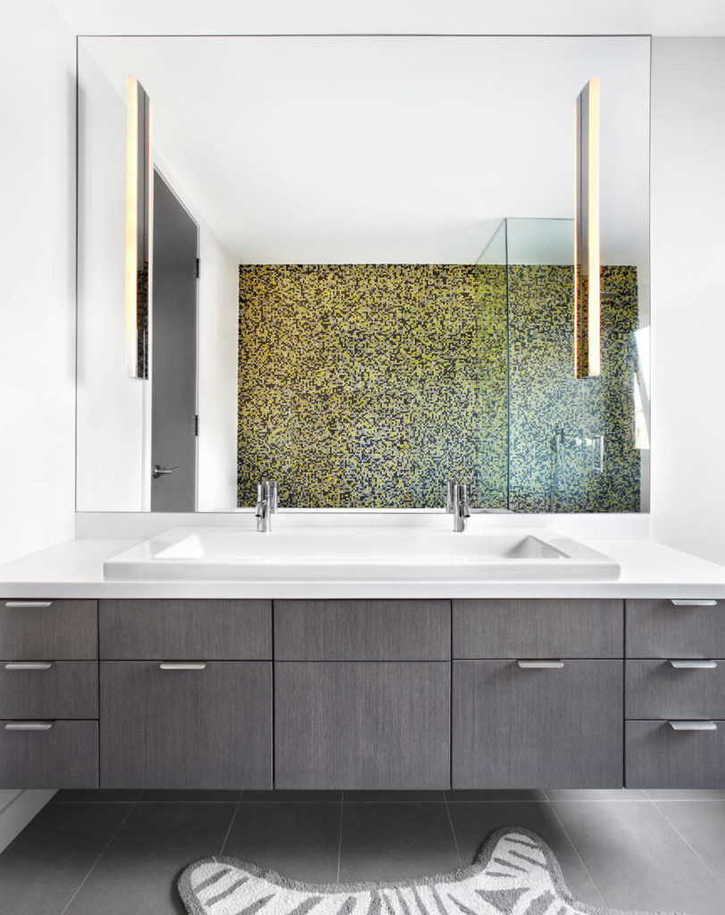 Bathroom-with-yellow