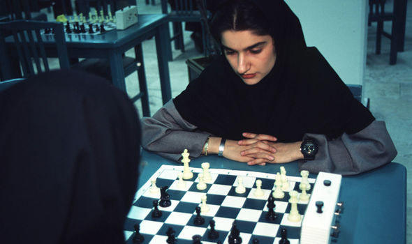 Iran-police-chess-669572
