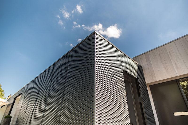 Villa-Hindeloopen-exterior-metal-corner