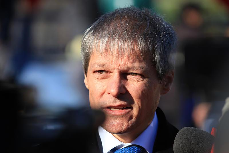 Dacian Cioloș, Románia jelenlegi magyar származású miniszterelnöke